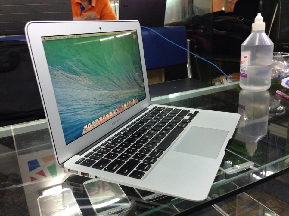 MACBOOK AIR 11.6 INCH 2012 MD224